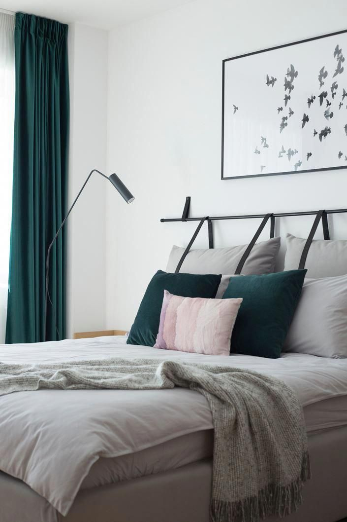 Teal and grey bedroom decor with unusual pillow headboard. La Maison Du Pastel - Bucharest, Romania #bedroomdecor #bedroomideas #greybedrooms #graybedroomwithpopofcolor