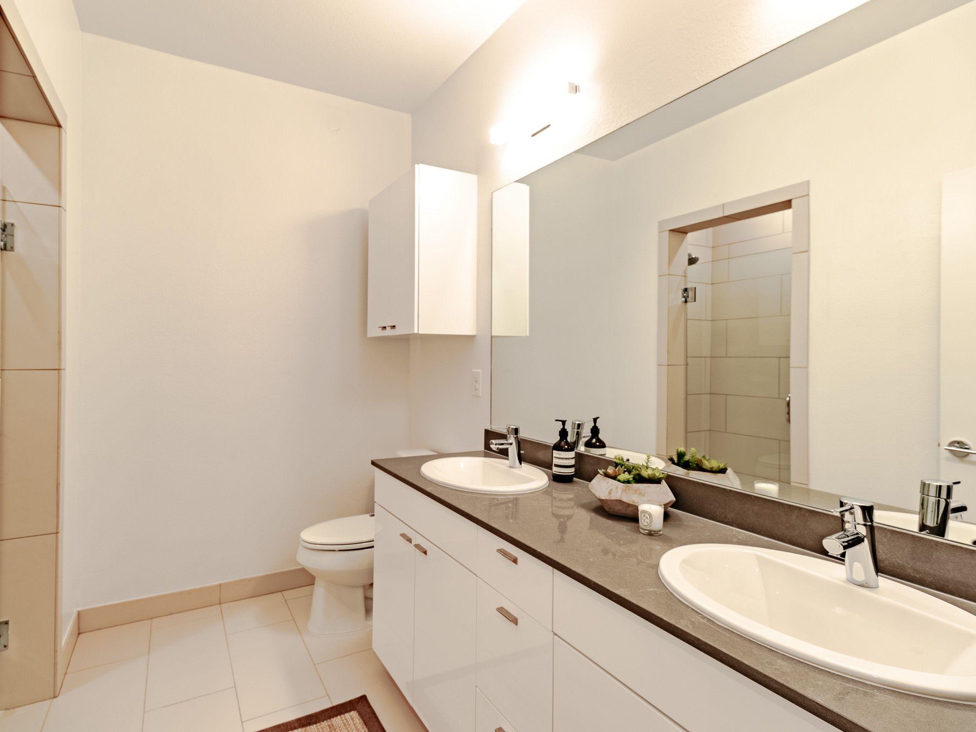 1stfloor corner unit spacious condo. Includes an outdoor