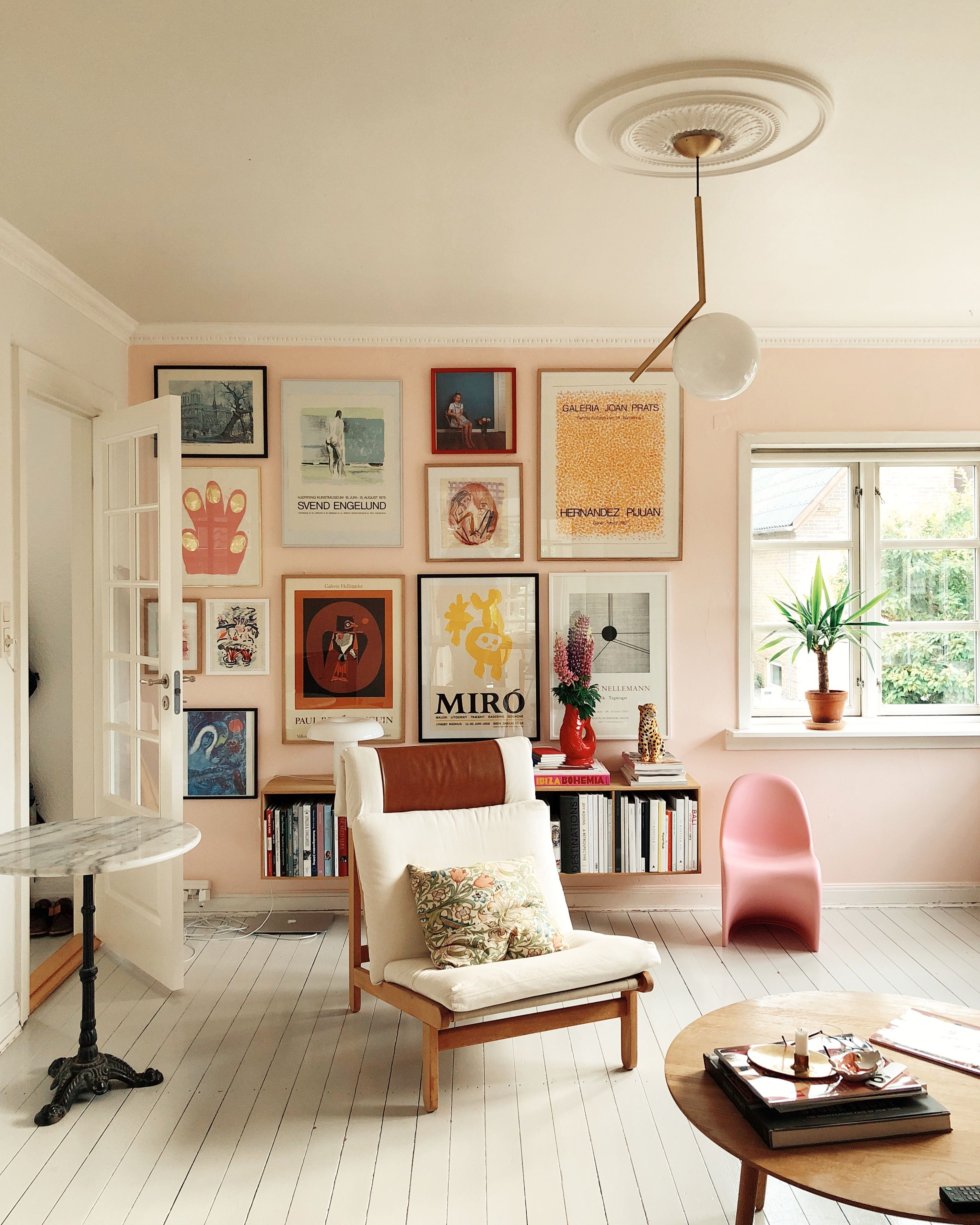 15 Modern Living Room Ideas: These 15 Pink Living Rooms Are Simply Effervescent