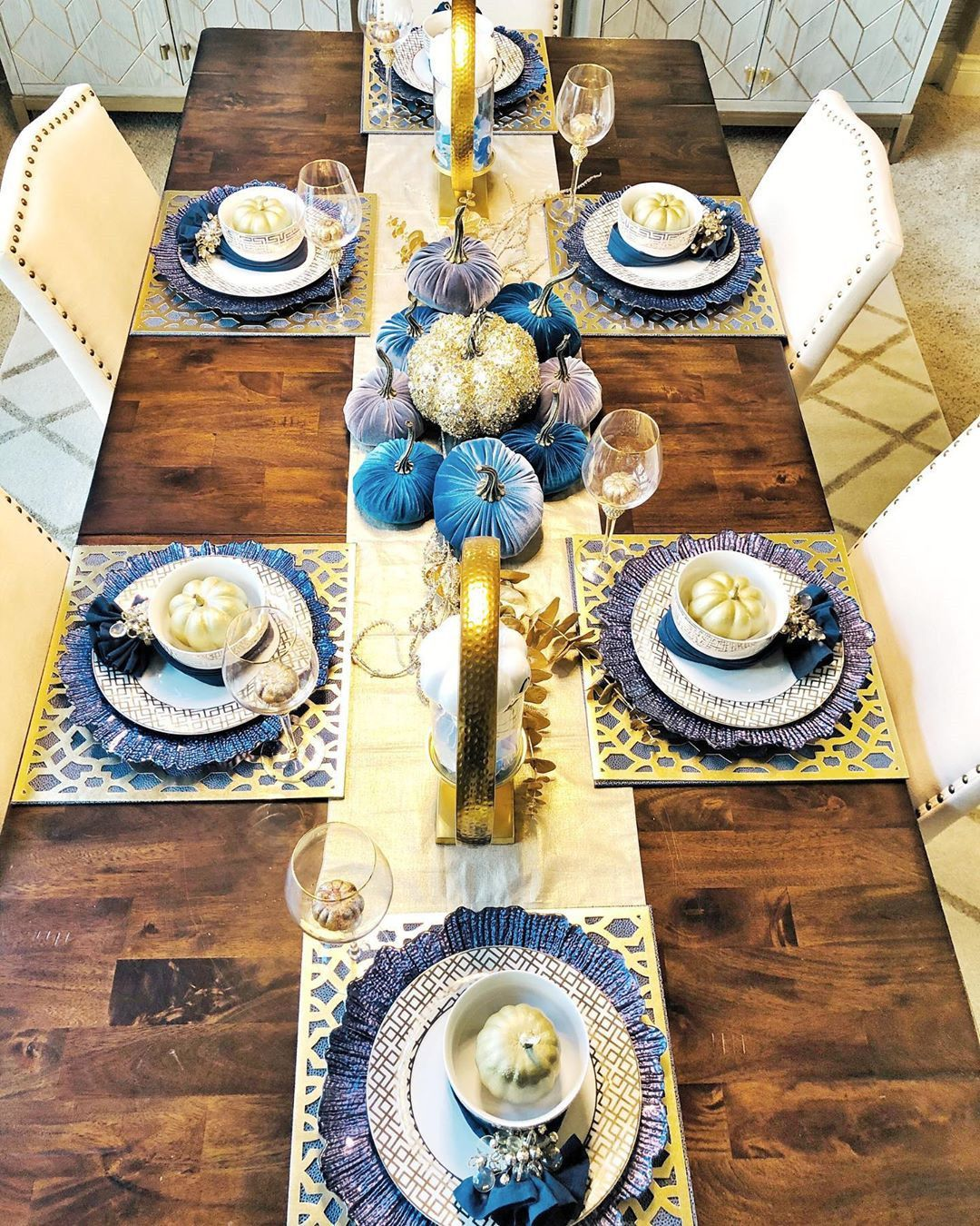 60 Gorgeous Thanksgiving Tablescapes Ideas - Soflyme ...