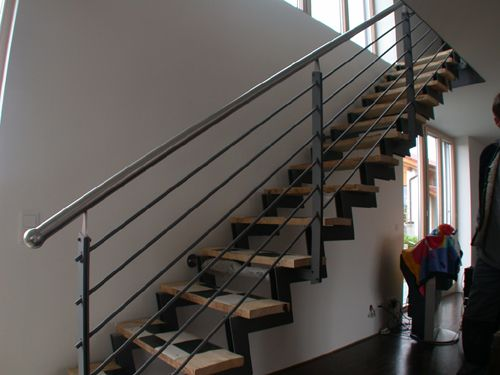treppe aus stahl treppenandlauf aus edelstahl stairs treppen pinterest stahl treppe. Black Bedroom Furniture Sets. Home Design Ideas