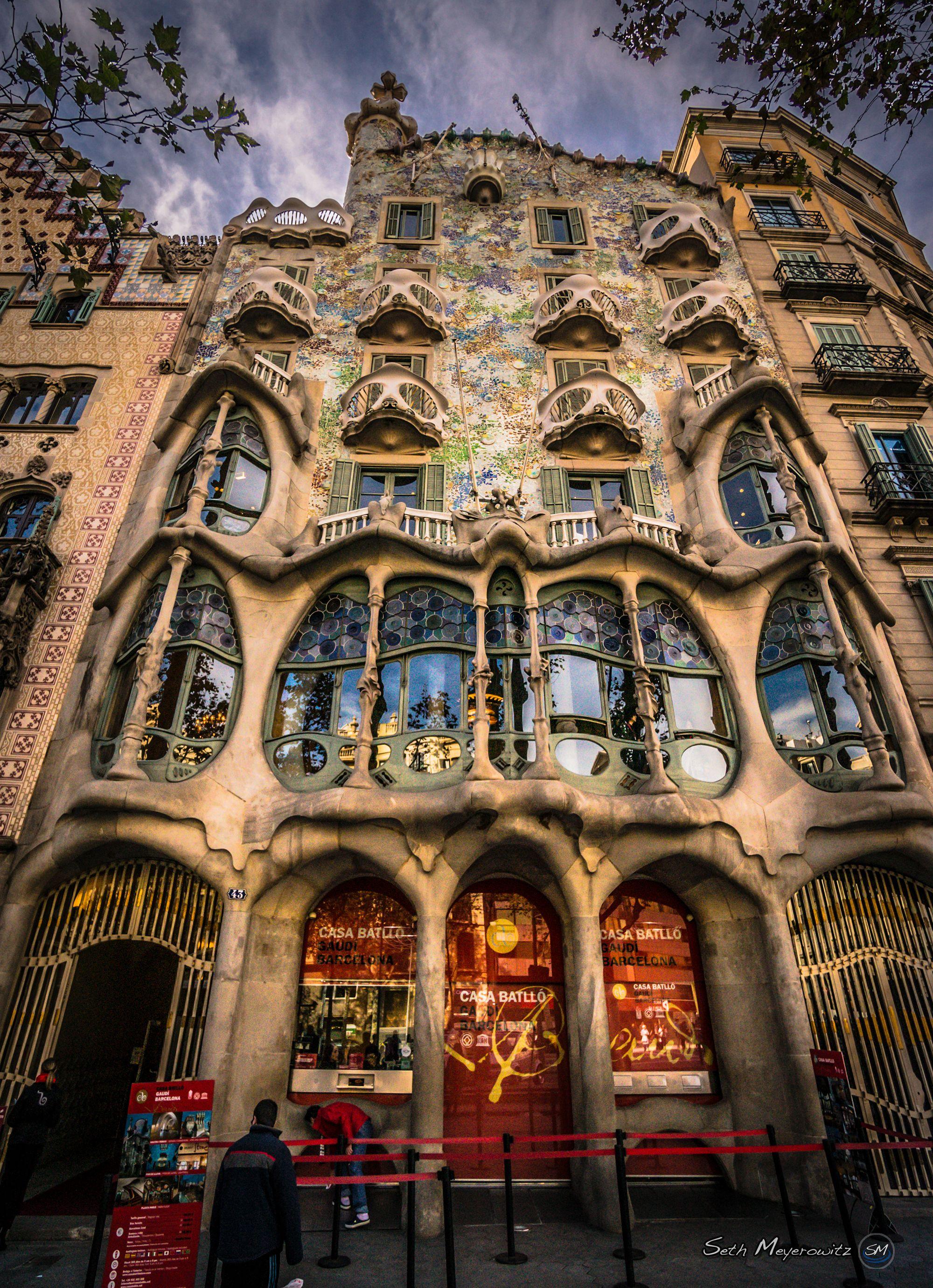 Antoni Gaud S Casa Batll , Barcelona, Spain