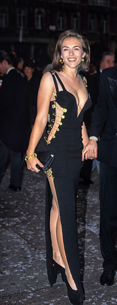 Elizabeth Hurley Recreates That Iconic Versace Pin Dress In 2020 Elizabeth Hurley Hurley Dress Hurley