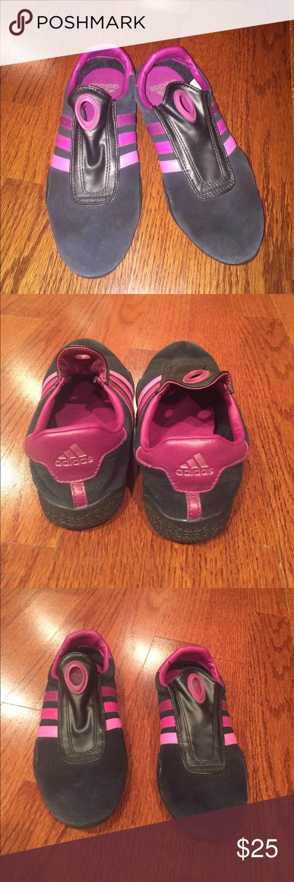Adidas raggiunse le adidas diapositive, materiale di velluto e adidas