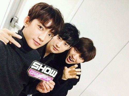 Las etiquetas más populares para esta imagen incluyen: gongchan, jinyoung, b1a4, show champion y sandeul