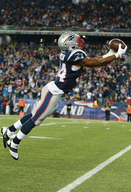 Shane Vereen stretching out for a great catch.