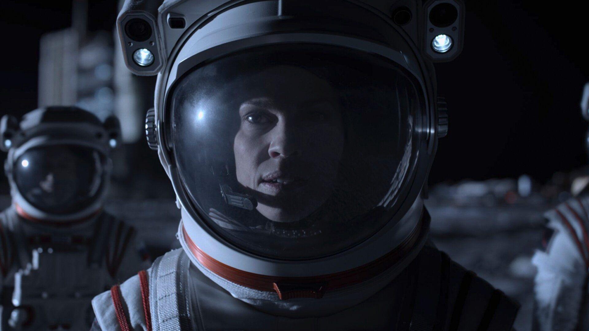 Hilary Swank Is Headed To Mars In First Teaser Trailer For Netflix S Away Geektyrant In 2020 Netflix New Netflix Netflix Sci Fi Series