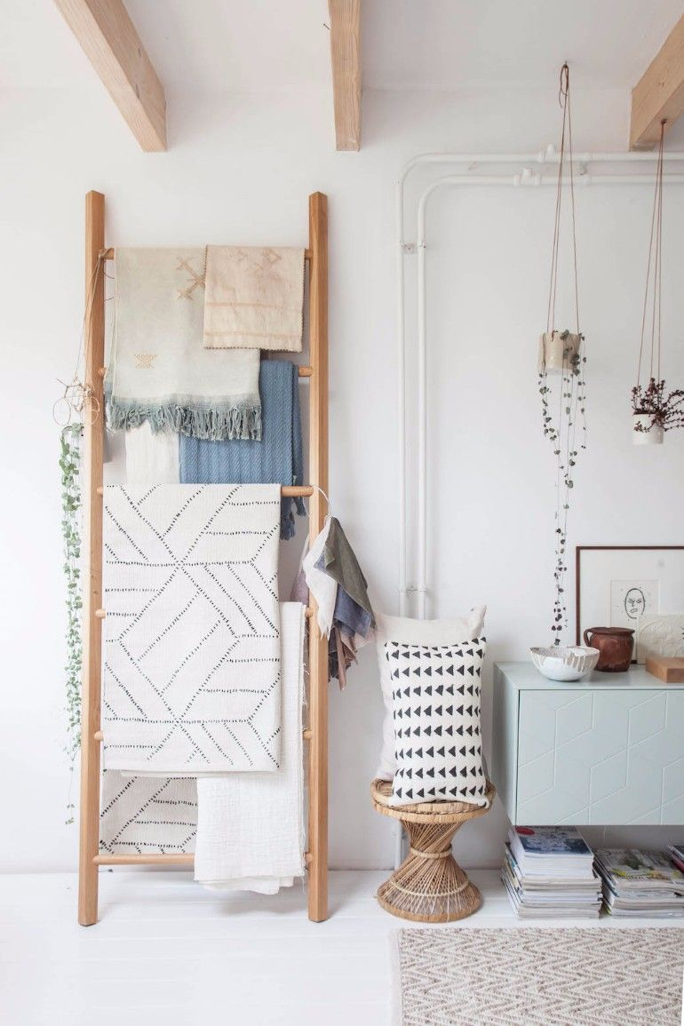 6 ways to use ladders in your apartment | Decorative ladders ...