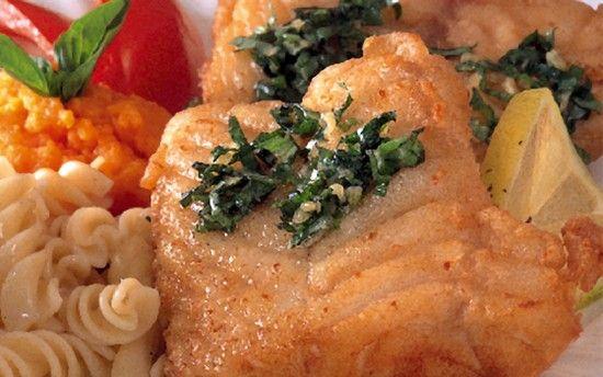 البيت السعيد: طريقة عمل شرائح السمك مع صلصة الطحينة