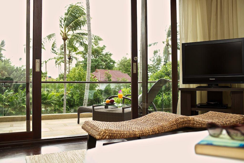 Master bedroom - balcony