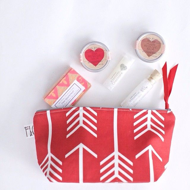 Valentines Day travel gift sets are here! A collaboration with @frankieandcocopdx send one to a friend https://www.etsy.com/listing/176220872 #handmadevalentine #detroit #littleflowersoapco #etsy #elite16etsy