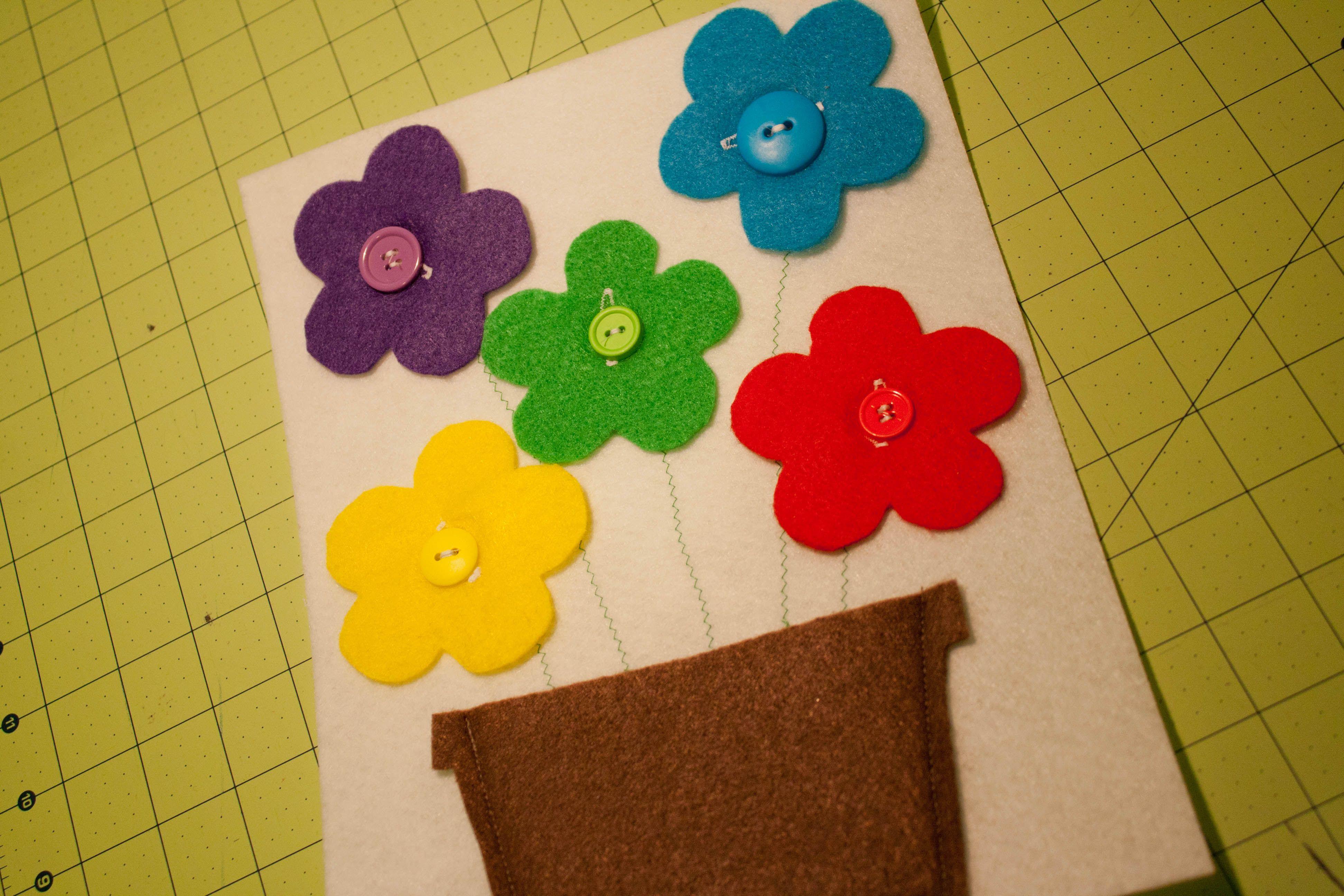 Tutorial A quiet book page Button Flower Pot