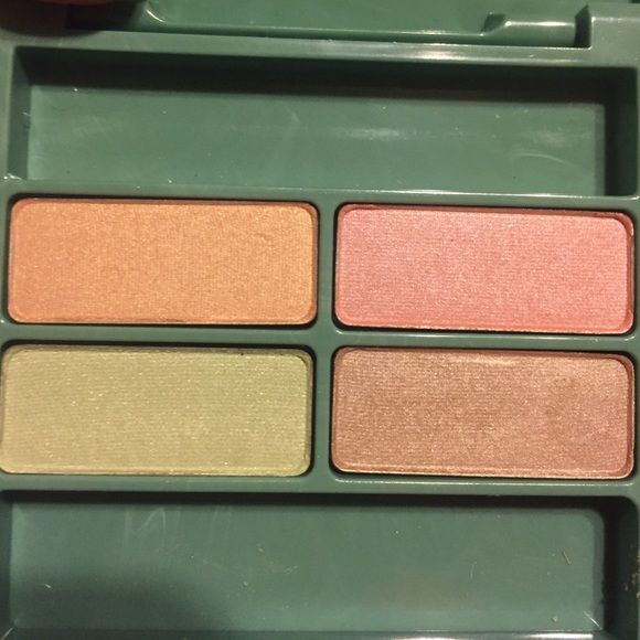 New Clinique Quad Eyeshadow, beautiful New Clinique Quad Eyeshadow, beautiful , Surge summer beige ,Apricot,Keylime & Beige Shimmer, Discontinued Clinique Makeup Eyeshadow