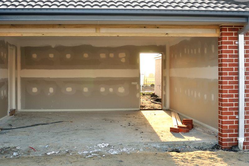 Doppelgarage Oder Einzelstellplatz. Hier Erfahren Sie Wie Hoch Die Kosten  Sind Eine Garage Zu Bauen