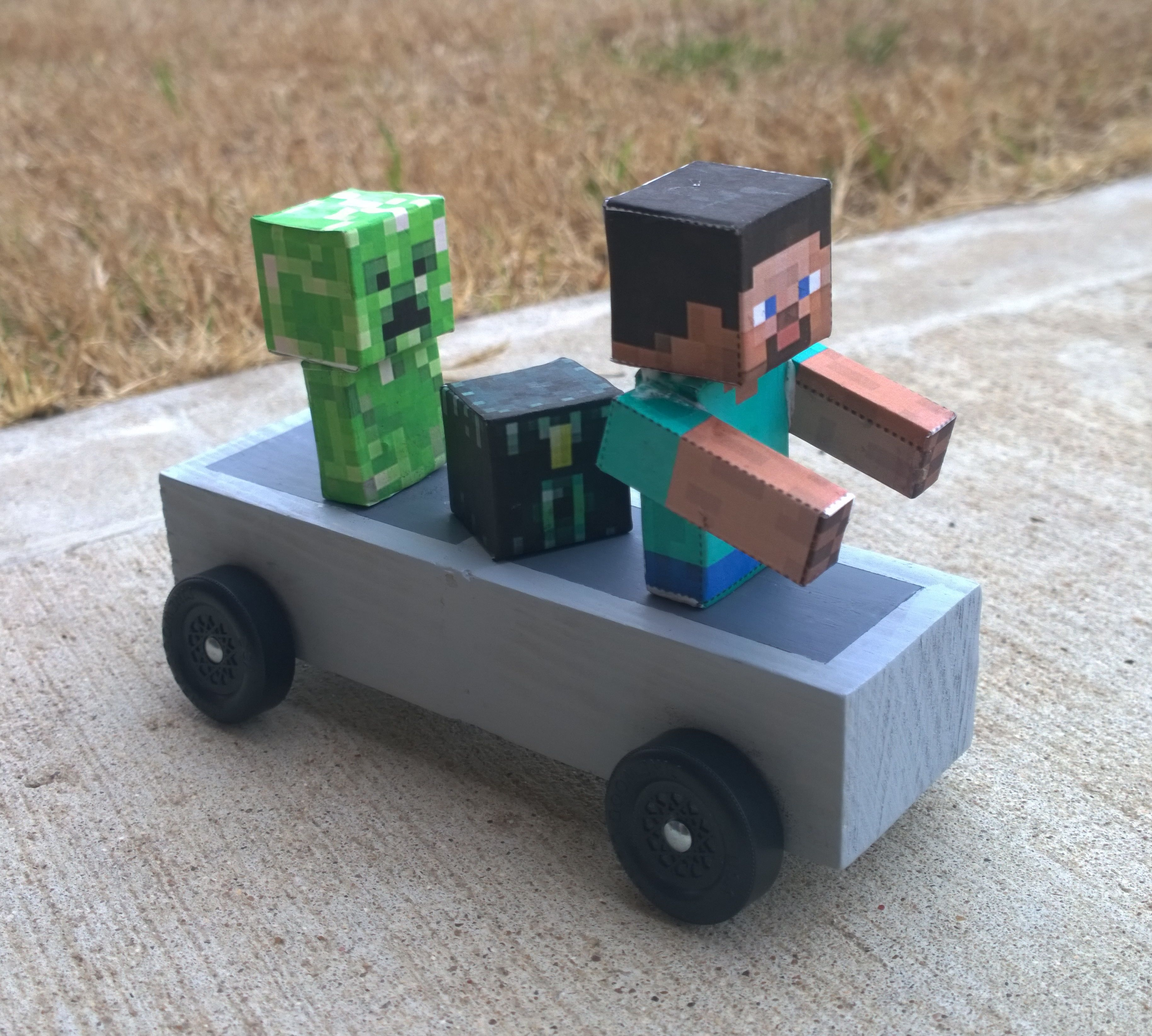 Minecraft Themed Pinewood Derby Cars Are Super Popular This Year