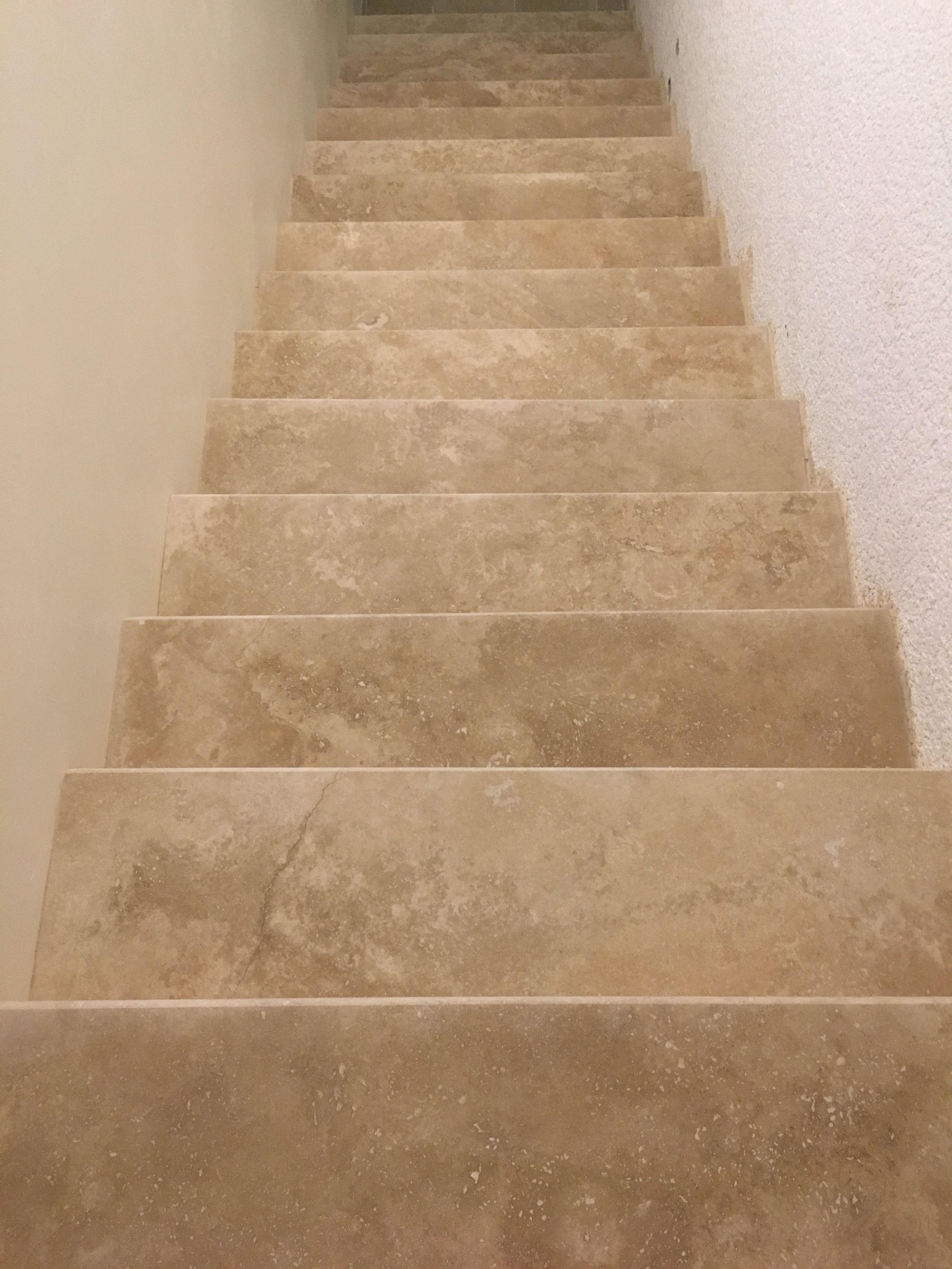 Travertin Escalier Marche En 3cm Bord Arrondi Escalier Escalier Carrelage Carrelage Travertin