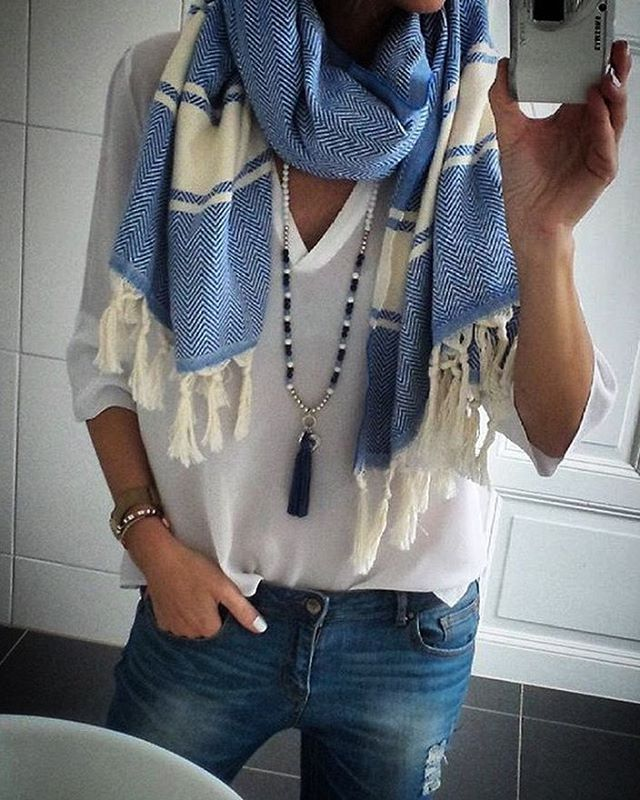 Stunning Swedish blogger @annamavridis rocking our beautiful, oversize Dakhla Scarf ✨ WE SHIP WORLDWIDE  Link in bio  #København #copenhagen #copenhagenbased #agency #style #handmade #moroccan #scarf #oversize #fashion #swedish #fashionblogger #santorini #boho #bohemian #ripped #denim #jeans  #beauty #dansk #danskmode #danskblogger #proud #selfmade #girlboss #freespirit