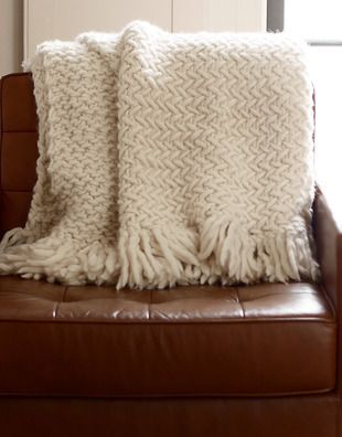 Super Bulky 5 6 Wool Using Size 50 Needles In Herringbone