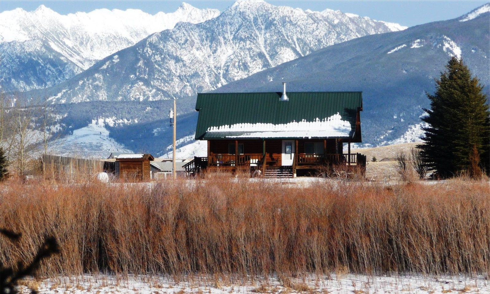 Amazing Views Of The Snowy Absaroka Mountains From