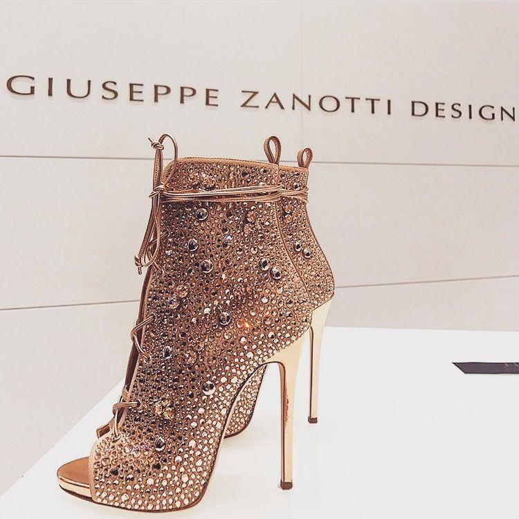 Pinterest: Wisteria ????~~   Heels, Fashion, Boots