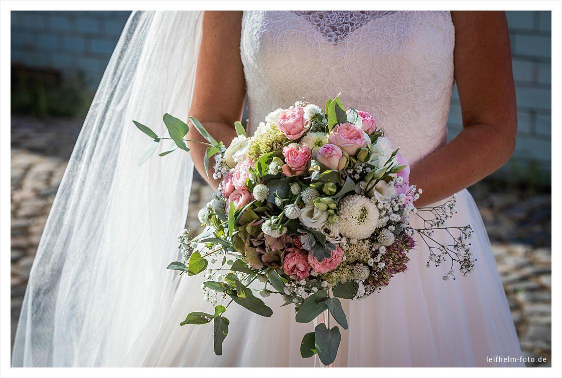 Alte Tuchfabrik Euskirchen Hochzeitsfotograf Nrw Leifhelm Foto Hochzeitsportraits Hochzeitsfotograf Hochzeit Broschure