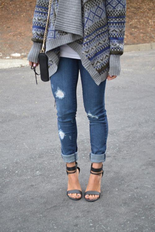 baggy sweater, ripped jeans \u0026 heels