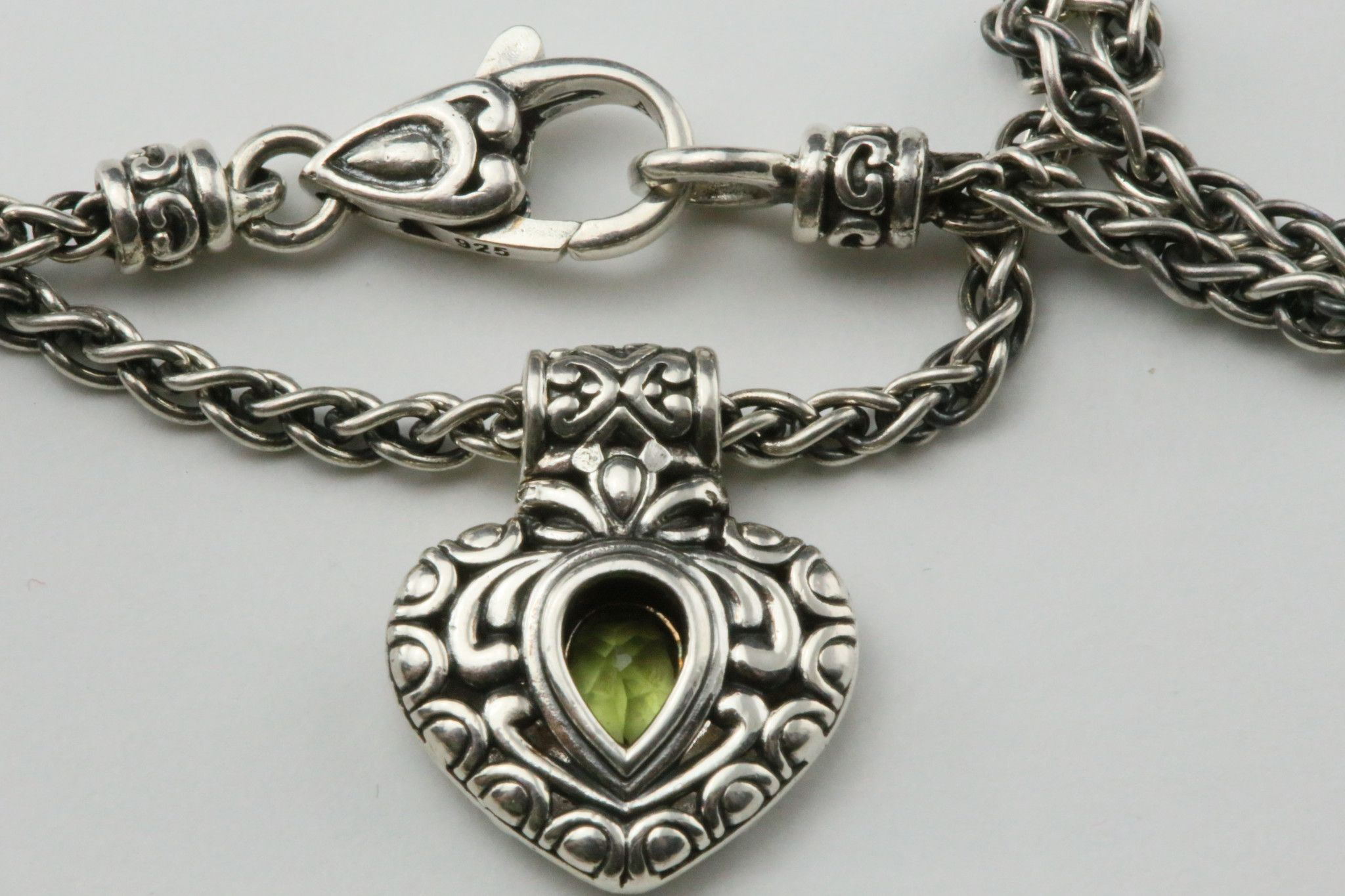 JOHN HARDY - Angela PERIDOT HEART BRACELET from Posh Designer Jewelry. Perfect for Valentines Day!