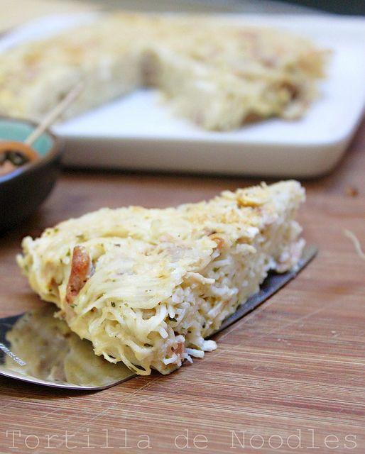Tortilla de noodles by chezdashita, via Flickr