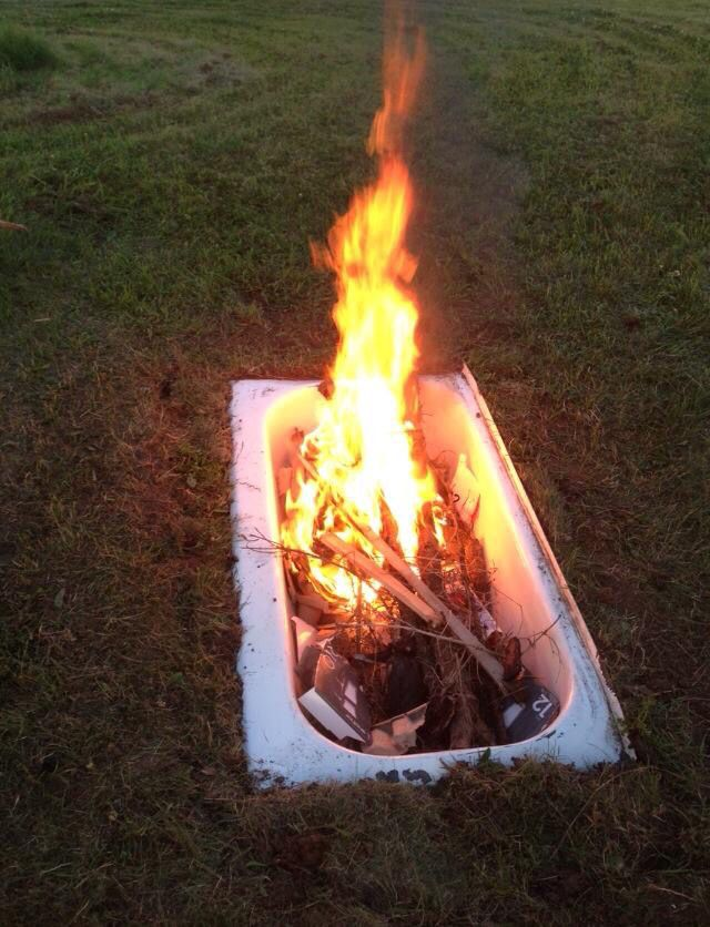 Miraculous Bath Tub Fire Pit Back Yard In 2019 Bathroom Furniture Download Free Architecture Designs Lukepmadebymaigaardcom