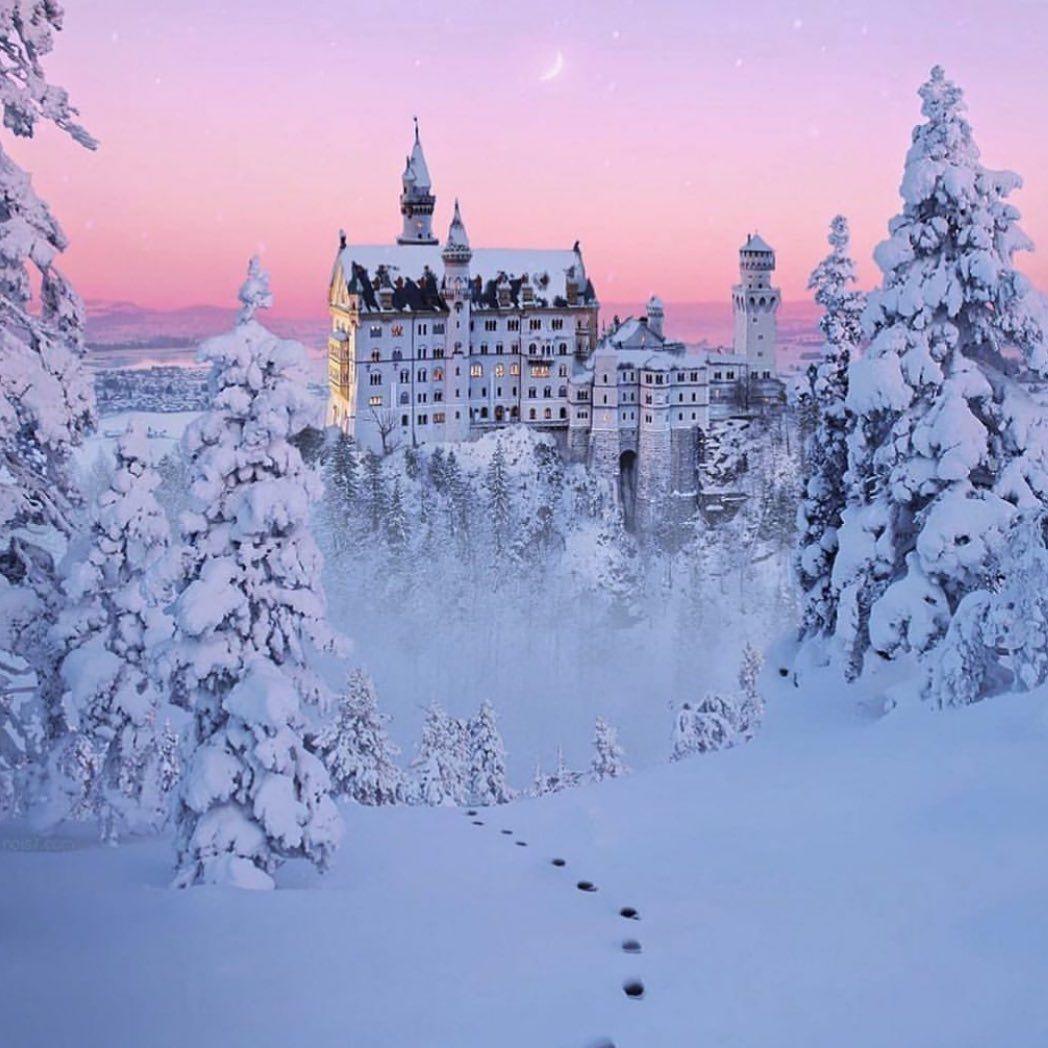 Elle Romania Auf Instagram Dieser Marchenhafte Ort Existiert Tatsachlich Schloss Neuschwanstein Ist Wirklich Das Perfek 2020 Seyahat Seyahat Fotograflari Kaleler