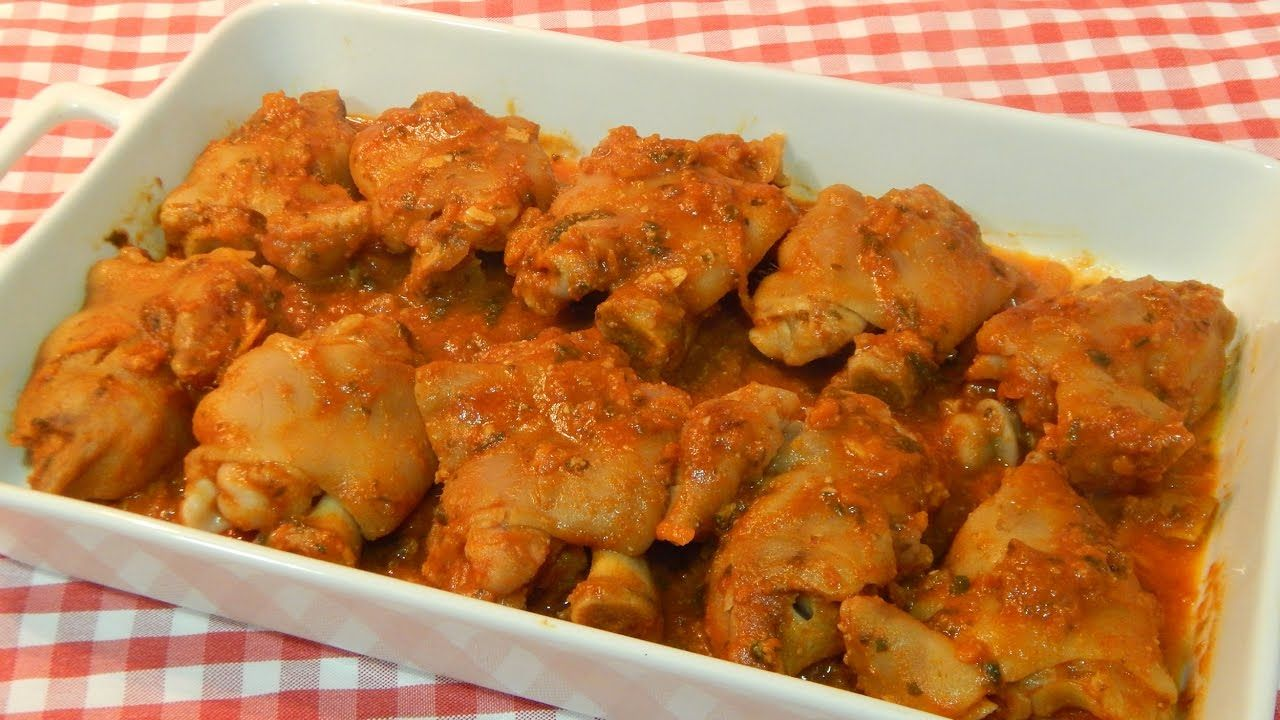 Receta de manitas de cerdo en salsa de tomate mi comida for Cocinar patas de cerdo