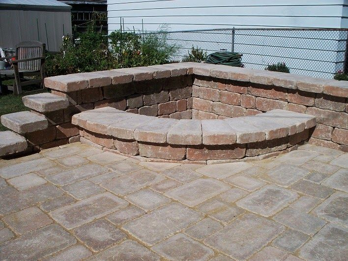 A corner fire pit for people with little backyard space. - A Corner Fire Pit For People With Little Backyard Space. Fire Pit