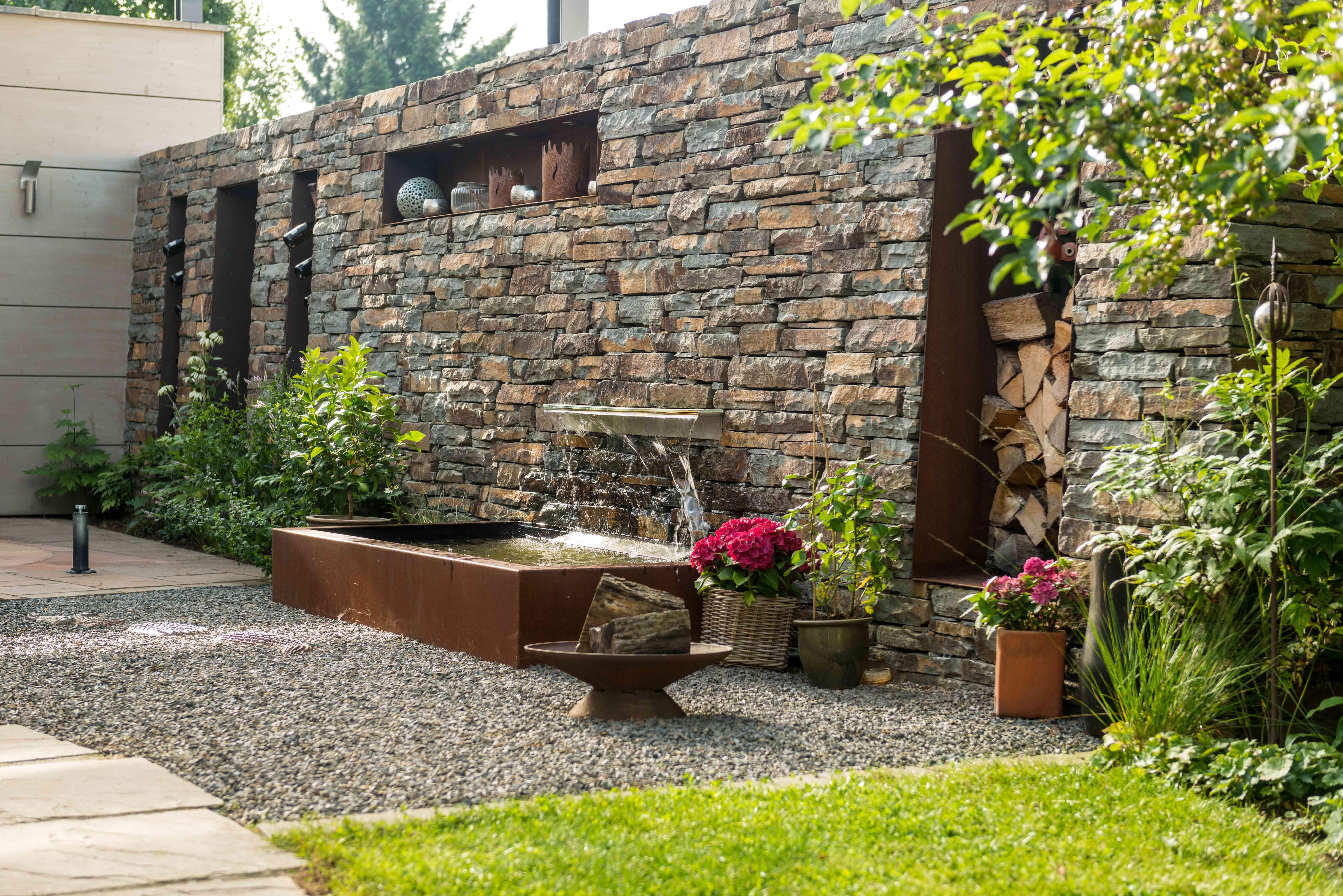 Wershofen Garten Design, Trockenmauer Und Wasserspiel, Privatgarten `15