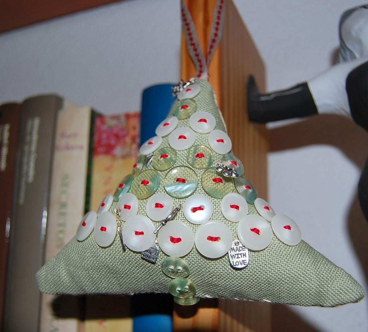 Ornamento de Navidad. Botones