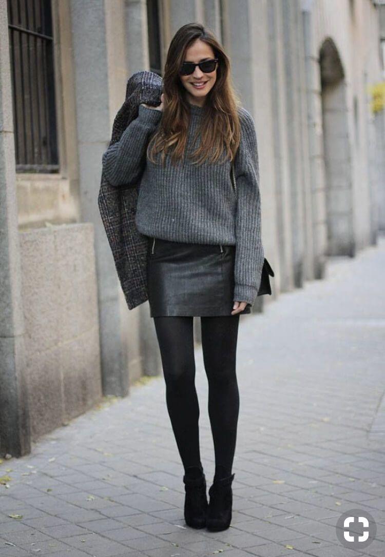 #17 Mini-jupe en cuir