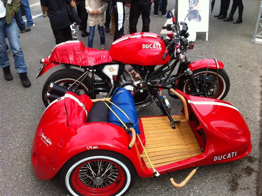 Gorgeous Ducati Sport with side car. 2
