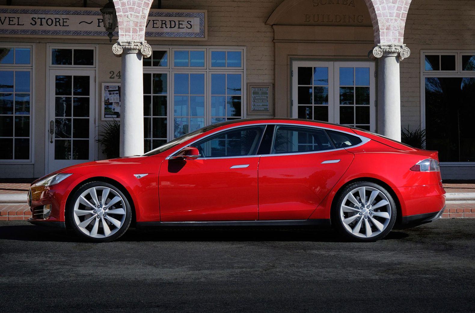 Elon Musk To Personally Hire Software Pros For Tesla S Fully Driverless Cars Tesla Model S Tesla Motors Tesla Model