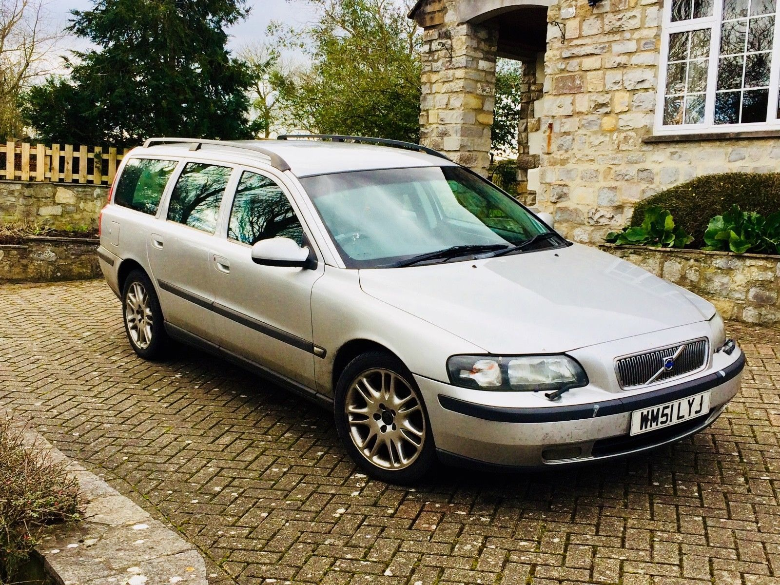 Volvo V70 D5 SE 2.4 sel 2002 Just serviced, 4 new tyres, Non ...