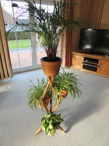 Blumensaeule Pflanzstaender Blumenstaender Bambus Mit 4 Ablagen Und
