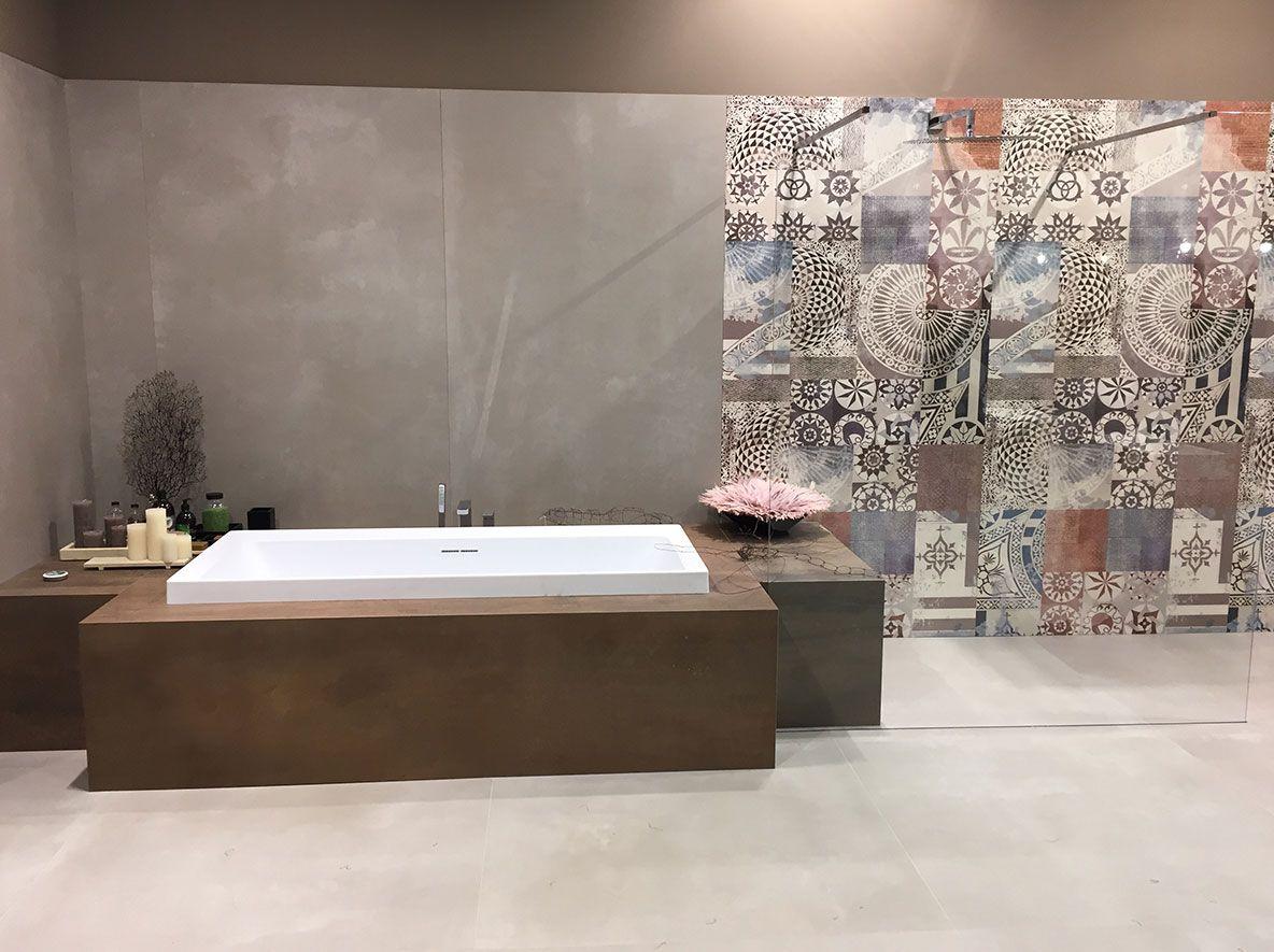 Pin Von Hiltrud Mittelstenscheidt Auf Wande Minimalistisches Badezimmer Fliesen Badezimmerideen