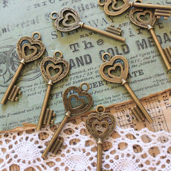 10 Heart Skeleton Keys Antique Brass Steampunk by PineappleSupply