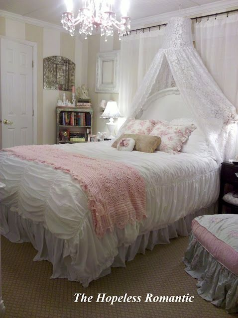 FEATHERED NEST FRIDAY in 2019 | Shabby chic | Shabby chic ...