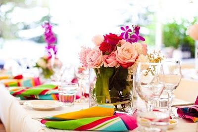 pops of color - napkins, table