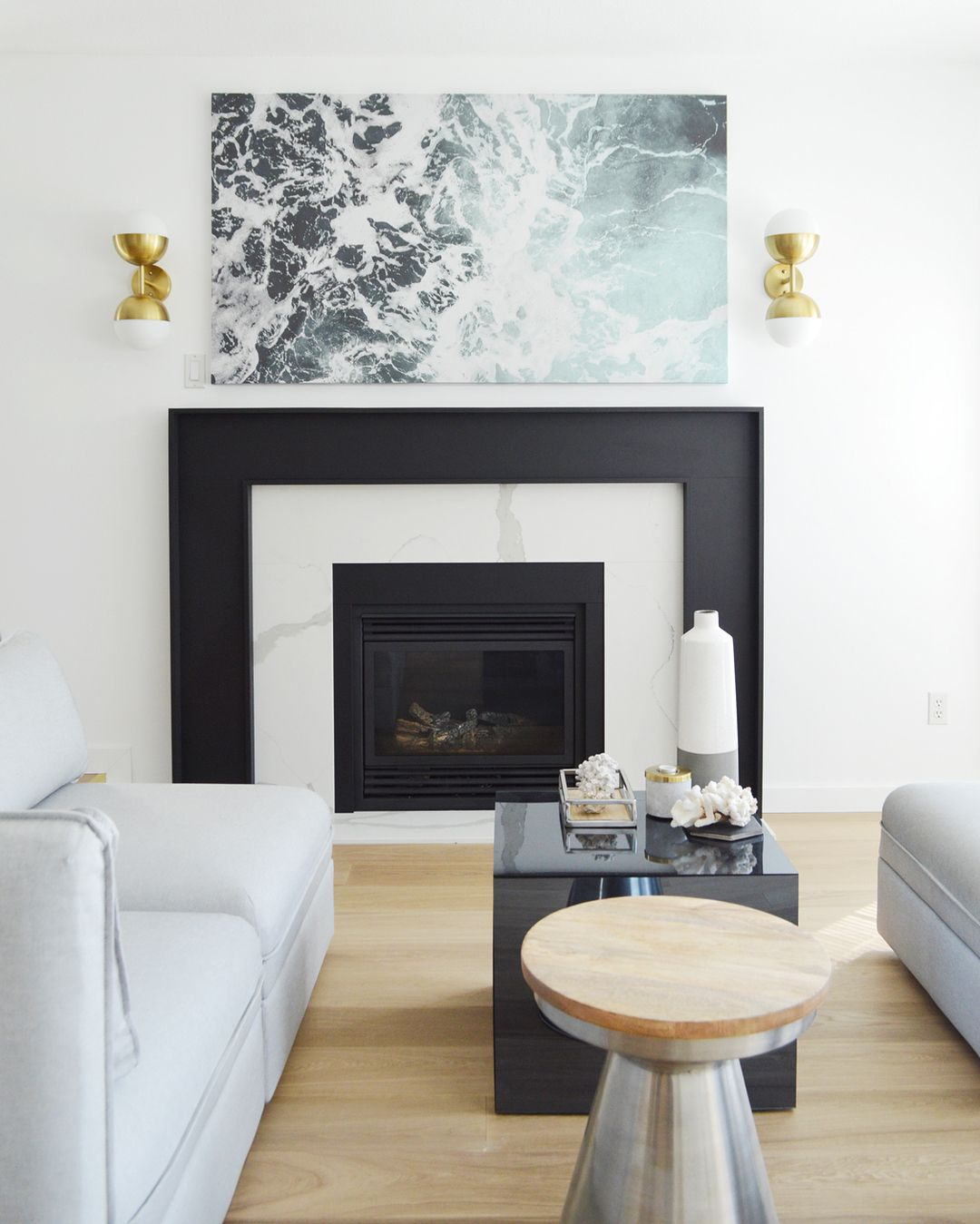 Best Modern Black And White Marble Fireplace With Beachy 400 x 300