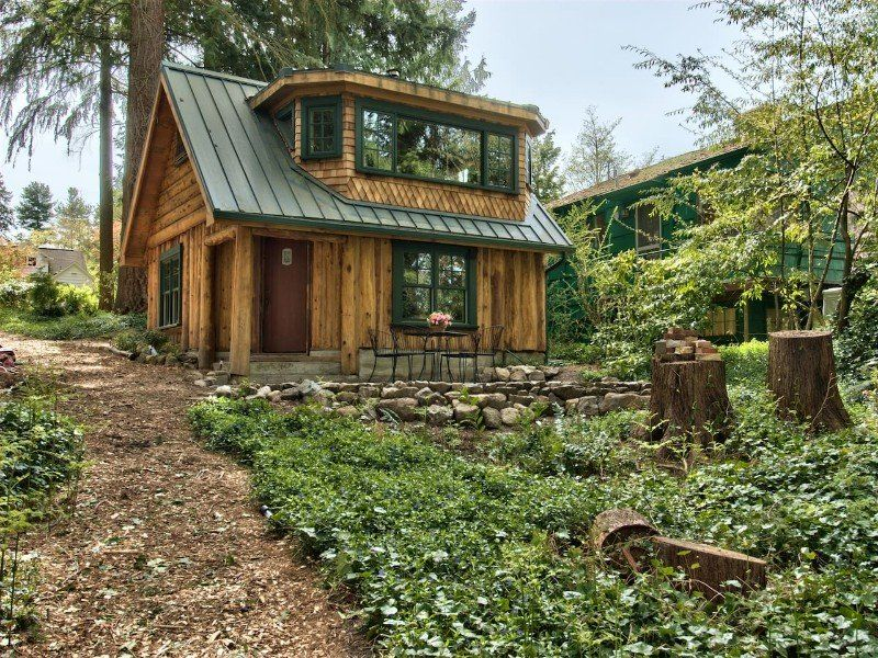 25 Coziest Cabin Airbnbs In The United States 2020 Guide Tripstodiscover Tiny House Cabin House In The Woods Cabin Style