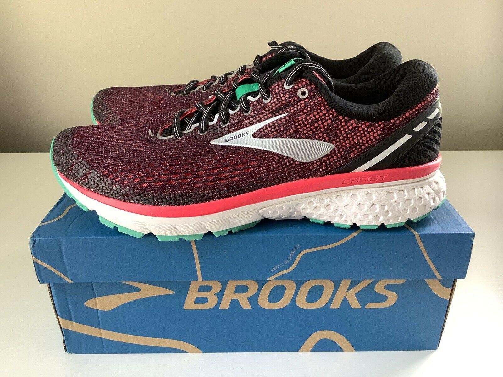 all black brooks shoes womens