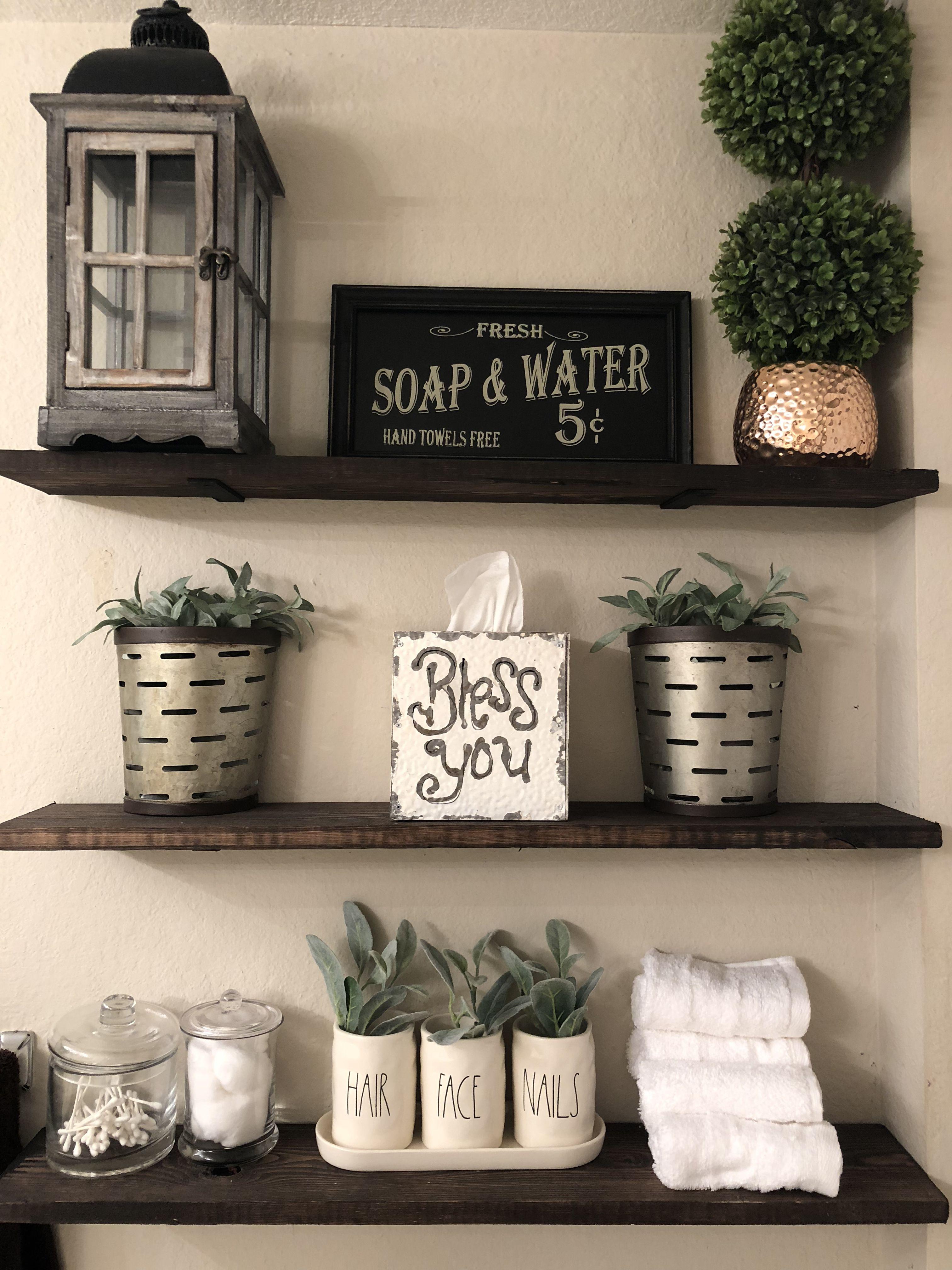 DIY Farmhouse bathroom shelves. Rustic bathroom decor