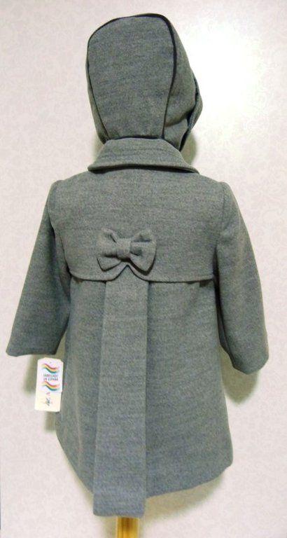 d79f847c9 Abrigo bebé niña con capota gris