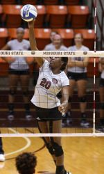 Mccartney Reaches 1 000 Kills As Bears Sweep Evansville Missouri State Evansville College Sports