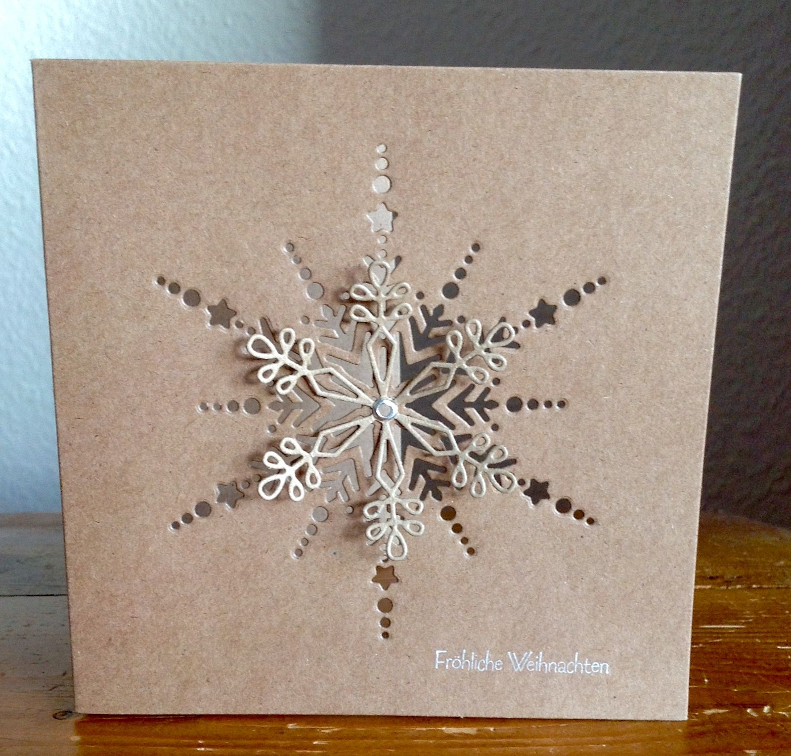 die schlichte karte dazzling snowflake von memory box. Black Bedroom Furniture Sets. Home Design Ideas